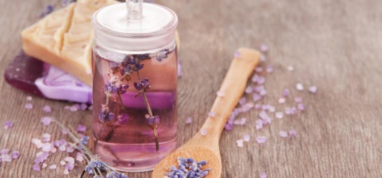 Lavendel - Öl - Sommer - DIY - Geschenkidee - Franks kleiner Garten