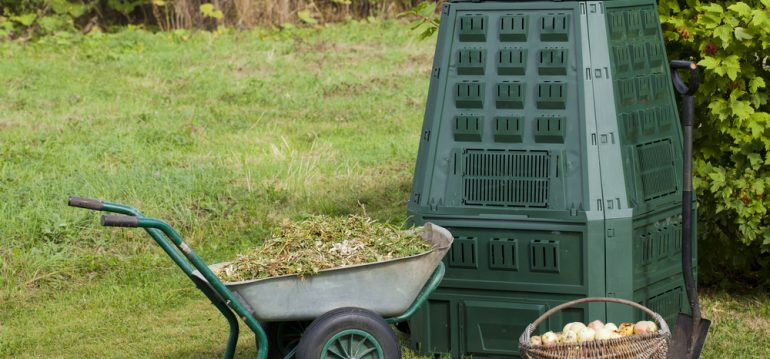 kompost anlegen schnellkomposter hochbeet selbst anlegen anleitung von obi komposter kompost. Black Bedroom Furniture Sets. Home Design Ideas