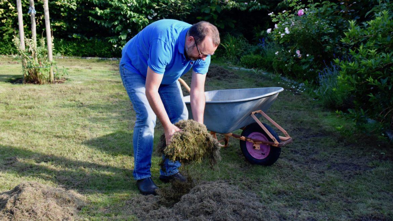 Rasen - Rasen einsammeln - Franks kleiner Garten