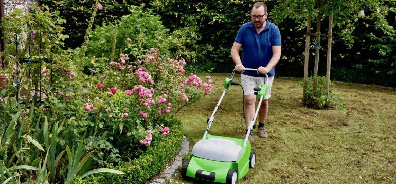 Rasen-Vertikutieren-Franks kleiner Garten