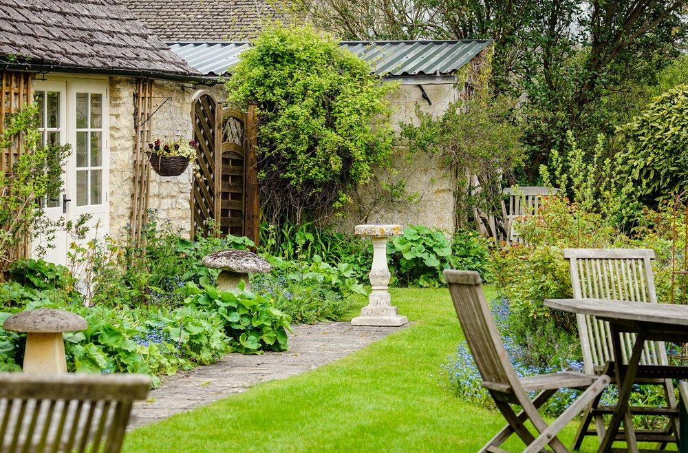 Frühjahrsputz   Garten   Franks kleiner Garten   Willkommen in Franks kleinem Garten