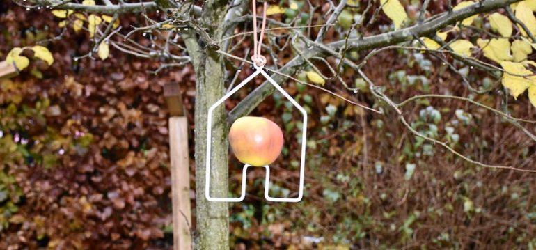 Futterstation - Haus - Apfel - Sophie Conran - Burgon & Ball - Gartenshop - Franks kleiner Garten