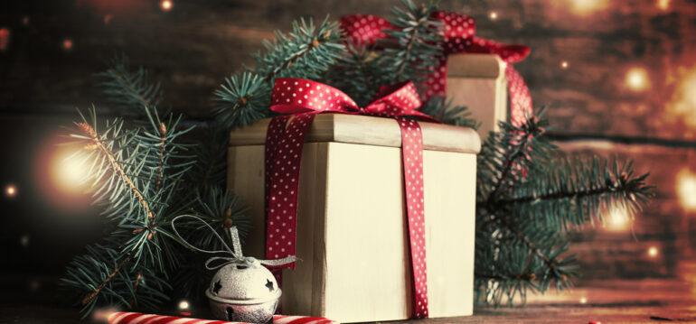 Weihnachten - Geschenke -Tannenzweig - Dezember - Franks kleiner Garten
